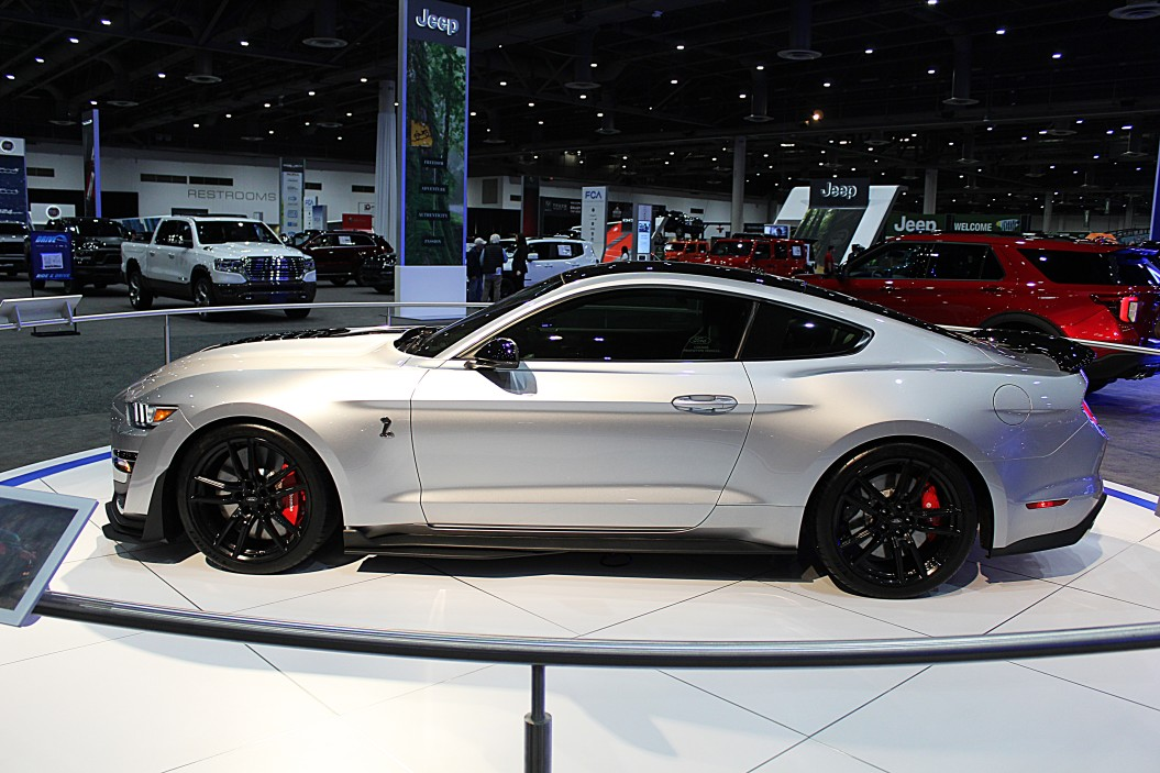 ford mustang sport